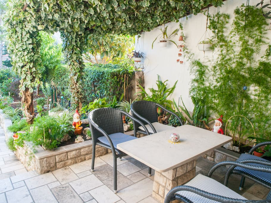 Apartment A1, outdoor seating area