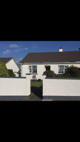 Self-catering, Knightstown Valentia