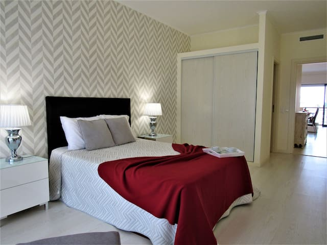 Two bedrooms Albufeira/Algarve, pool, AC, WIFI