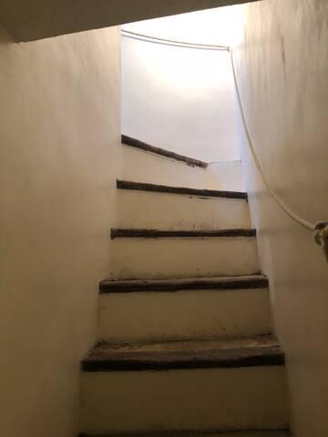 escalier allant au pigeonnier