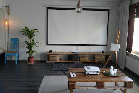 Peaceful studio apartment right at the city centre - Jyväskylä - Pis