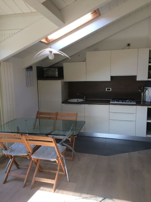 Kitchenette and table