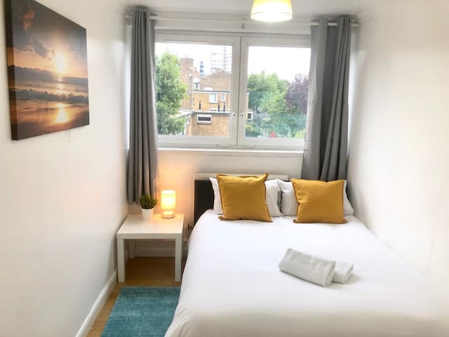 CUTE AND CLEAN ROOM *CENTRAL LONDON*