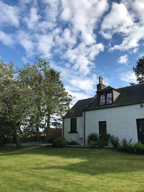 The Cottar House by Stonehaven