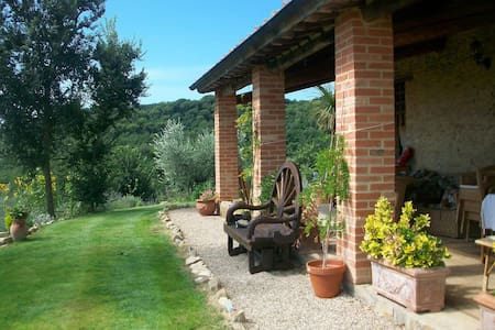 Whole umbrian villa with panoramic views - Cibottola