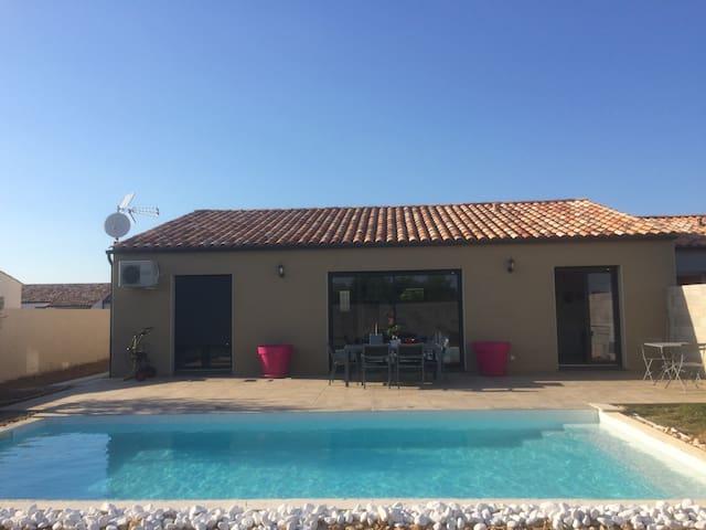 Villa avec piscine   5min de la cité  Carcassonne