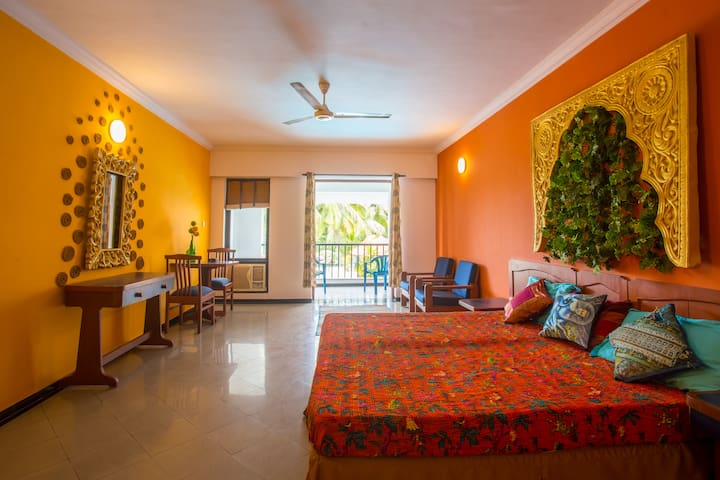 Sunny Studio w/ Pool & View near Baga beach!