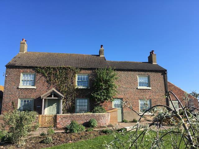 Greenhills Farmhouse - North Yorkshire