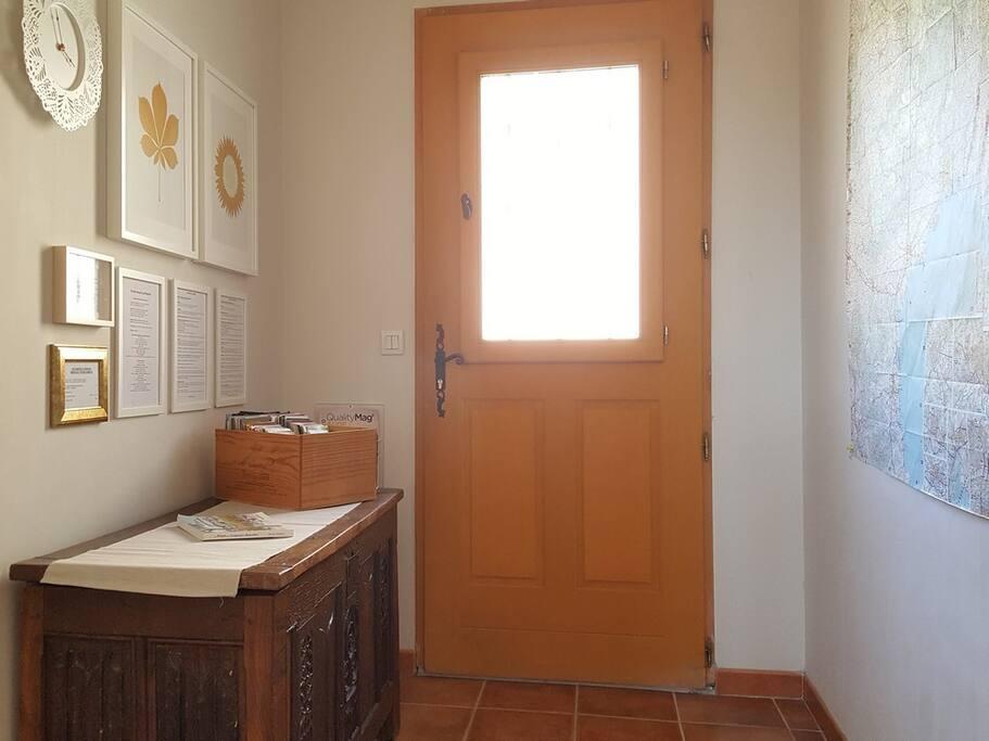 L'entrée commune aux 3 appartements