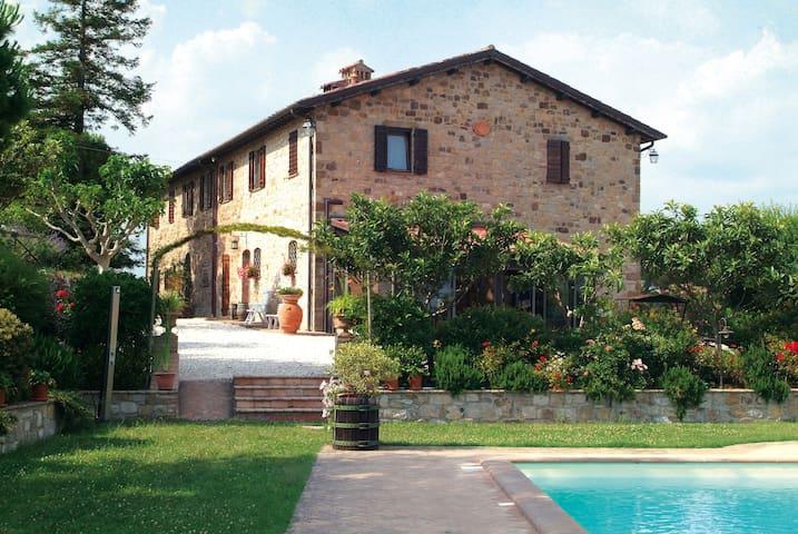 Appartamento in Casale Storico - Fratta Todina - Villa