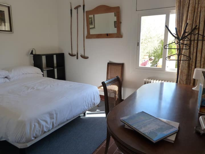 Enjoy a room in a Country Home on the Costa Brava