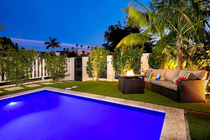 20% OFF SEP - Tropical Paradise, Steps to Beach w/ Yard, Pool, Spa, & AC