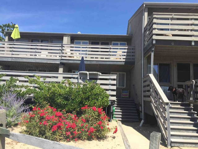 4 Bedroom Townhome just Steps to the Beach