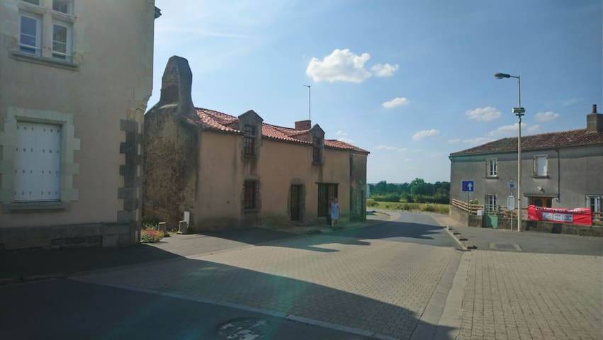 Logis de Grenouillon - Maison XVème siècle