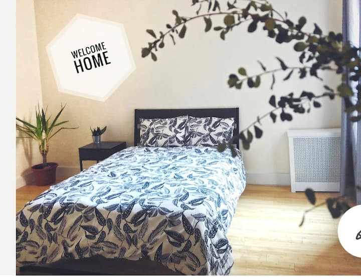Beautiful private room 20-25 min from Times Square