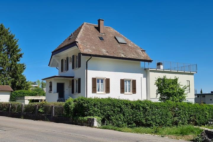 La Neuveville on Biel/Bienne 's lake side