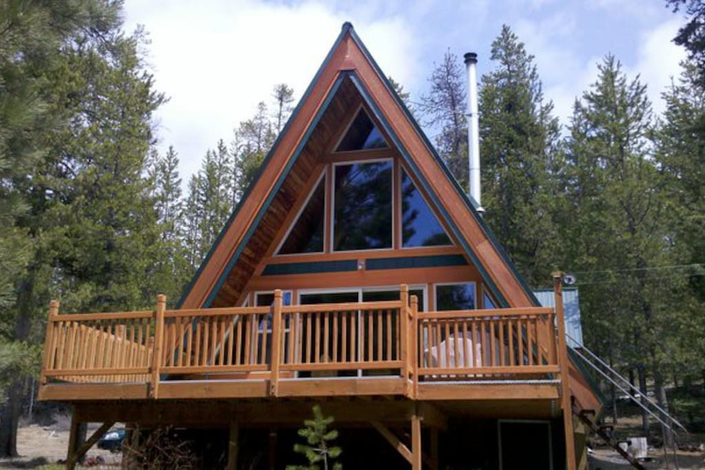 Pet Friendly Secluded Cabin On Crescent Creek Cabins