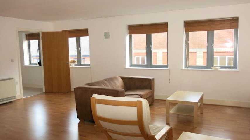 Large Apartment - Jewellery Quarter - Birmingham - Lägenhet