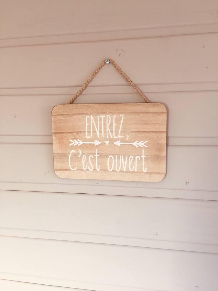 """Chambre """"cabane"""" dans Mazet totalement indépendant"""