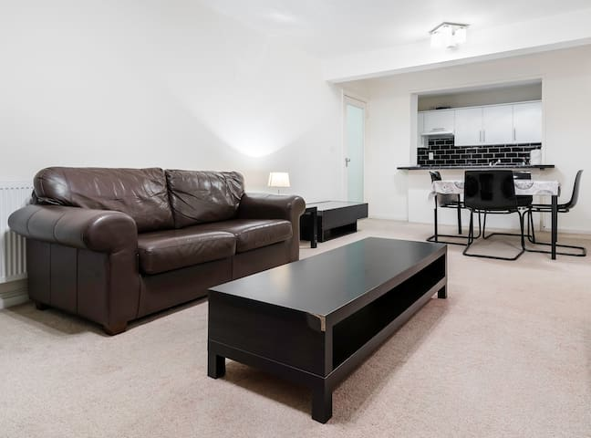 Furnished 2 Bedroom Apartment in Bayswater - Londyn - Apartament