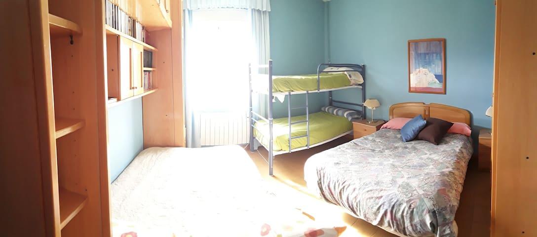 LA CASA DE CONCHA, habitacion privada en chalet