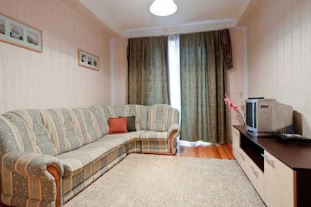 K. Marksa str. 8 - 1 bedroom Center of Minsk - มินสค์