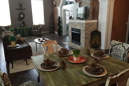 Living Environments Luxury Lofts 111 Joliet - LaSalle