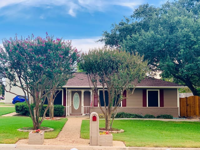 Charming Home - Conveniently 2mi From Kyle Field