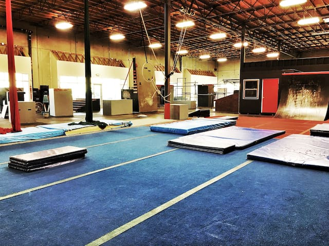 Huge Parkour Gym - Rocklin - Altres