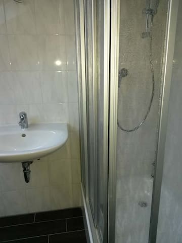 a nice and new flat for 5-6 persons