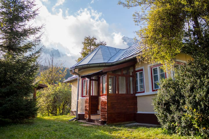 Cozy Mountain Crib for 6 mountain lovers - Bușteni - Σπίτι