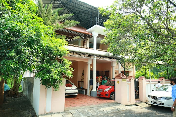 GREEN VILLA PRIVATE BED ROOM  GROUND FLOOR NO 1