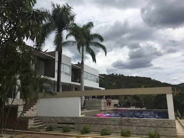 Acogedora Casa Campestre 1