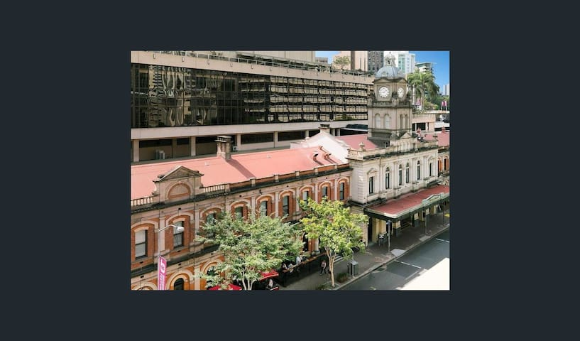 Beautiful Heritage Apartment in the CBD