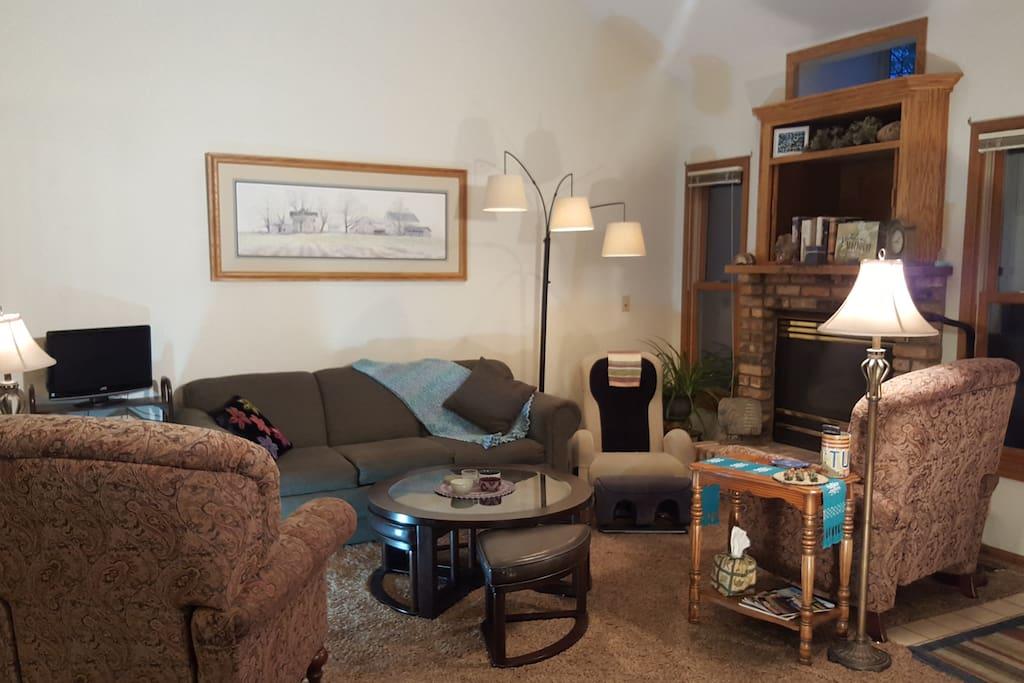 Living & Fireplace