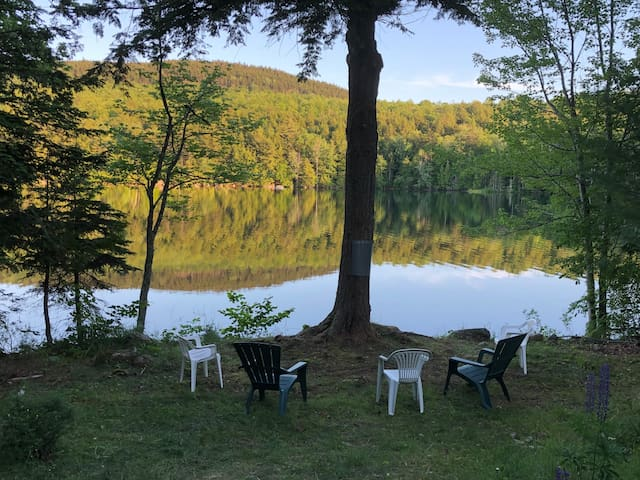 Waterfront cottage by Maine's best Midcoast spots!