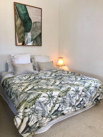 TOP LEVEL - MASTER BEDROOM