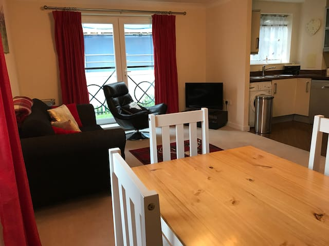McFawe Apartments (2-bed apartment with parking)