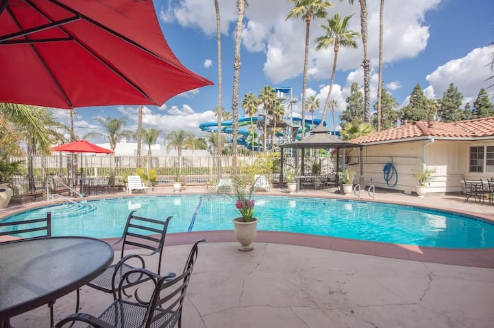 Anaheim 1Bdr Suite 15 min walk to Knott Berry Farm
