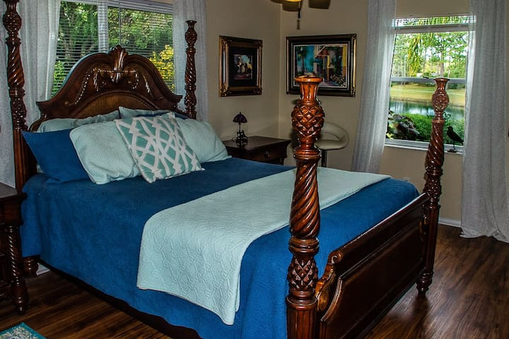 Tranquil Guest Suite with Large TV and Private Bathroom