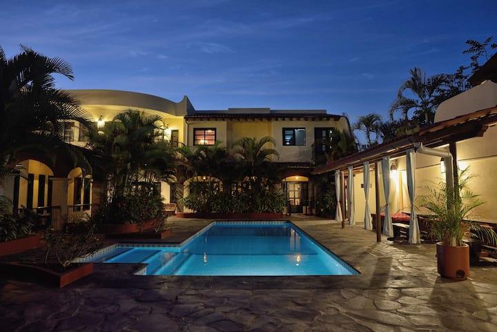 Emiliano Zapata 2 bedroom 3 guests , pool #2