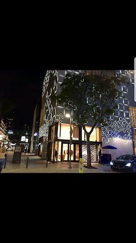 2BR, Steps from Design District/Midtown/Wynwood
