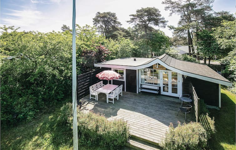 Holiday cottage with 2 bedrooms on 42m² in Nexø