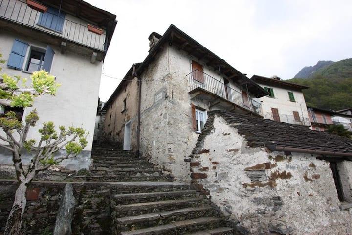 Casa Valle Cannobina (C.I.R. 10307900001)