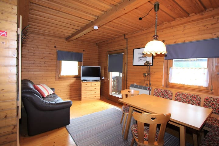 Auténtico apartamento en una casa de campo de 450 años con piscina.