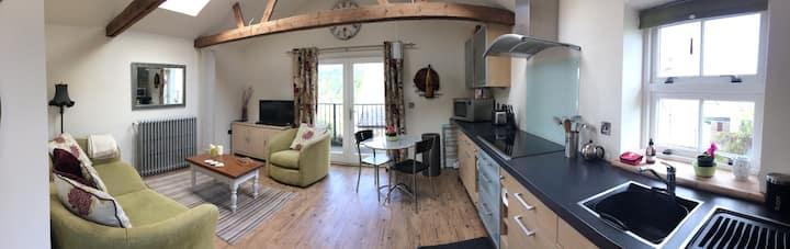 Telford View luxury flat with balcony