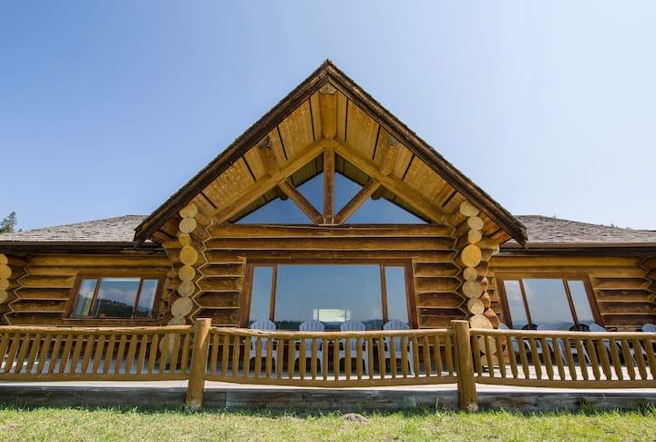 Fossen's Guest Lodge - 5000 sq. ft custom log home