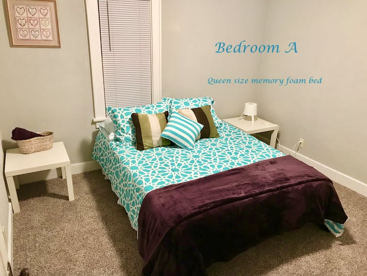 S1A Private Bedroom - 1.7 mi from Notre Dame