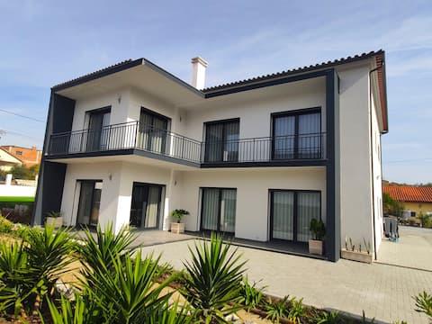 Casa no campo, perto da praia e pontos turísticos