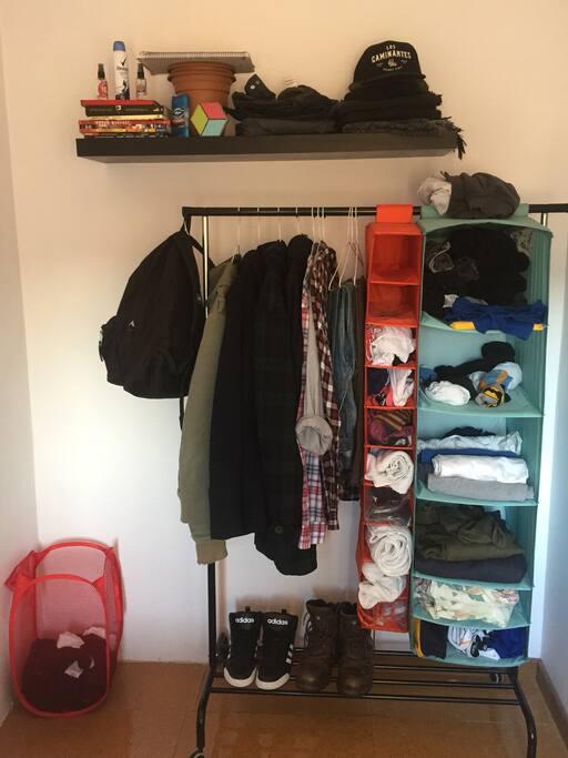 Comodidades para guardar ropa y accesorios